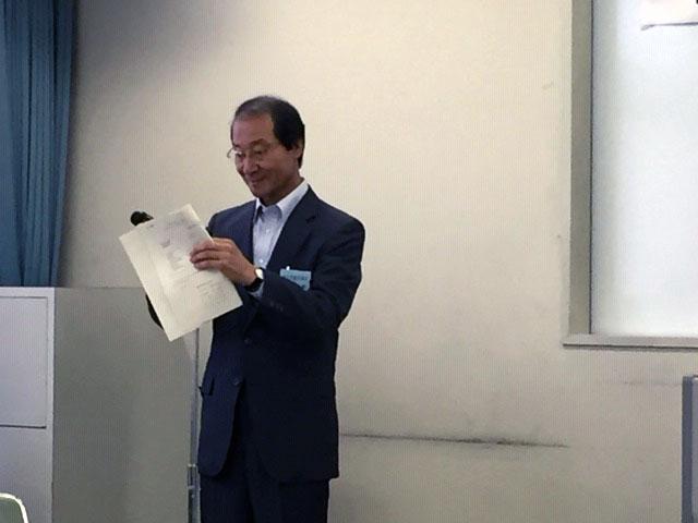 佐藤監事より、監査報告。 議案はいずれも承認されました。